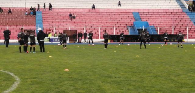 Nacional Potosí y Royal Pari empatan en un partido sin goles