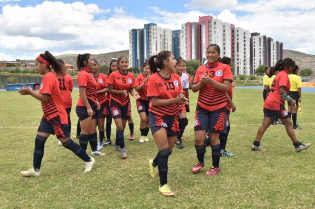 Selección femenina de fútbol clasifica para la final