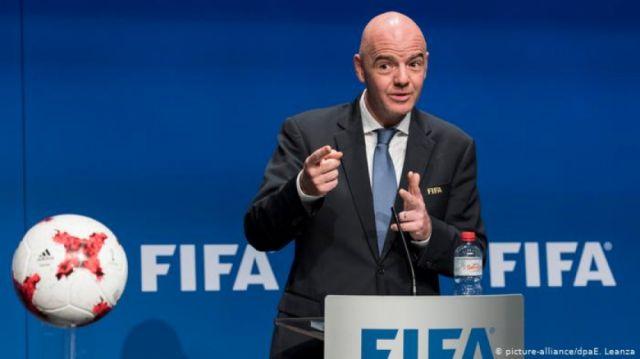 """La FIFA estudia dotar de una """"ayuda"""" al fútbol mundial"""
