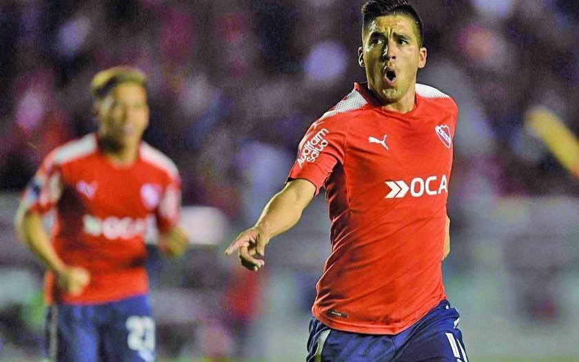 Independiente gana y se instala en cuartos de final