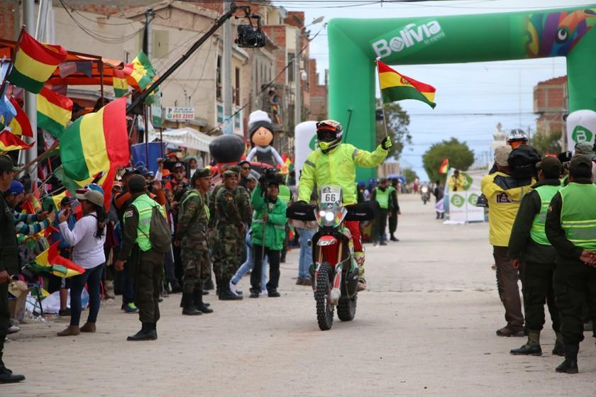 Uyuni apuesta por aumentar el flujo turístico en el Dakar