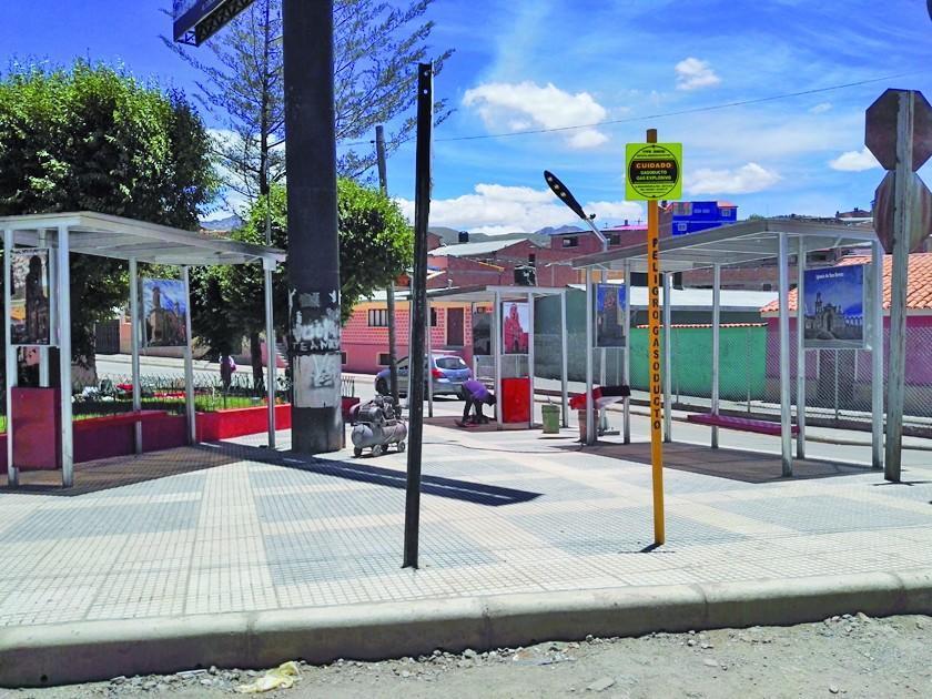 Alcaldía embellece una plazuela en la avenida Tinkuy