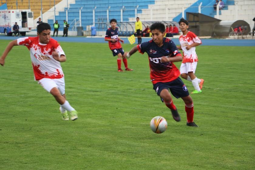 Los partidos de las selecciones de fútbol de varones y damas se postergan