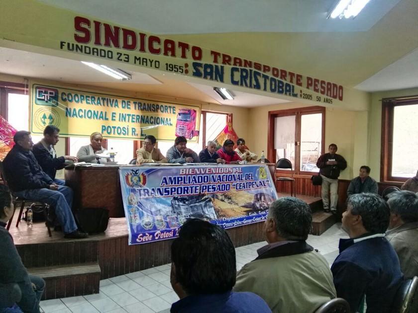El bloqueo de caminos en Potosí arranca en las primeras horas de hoy