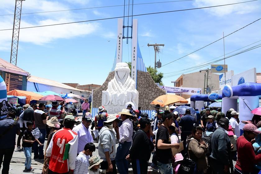 Uyuni espera recibir más de 100 mil visitantes por el Dakar