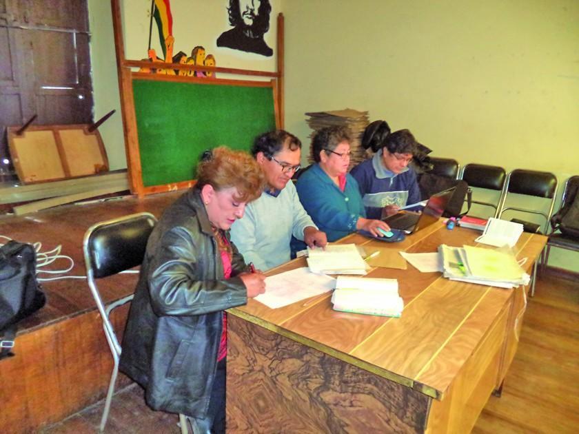 Investigan una denuncia contra dirigencia de maestros urbanos