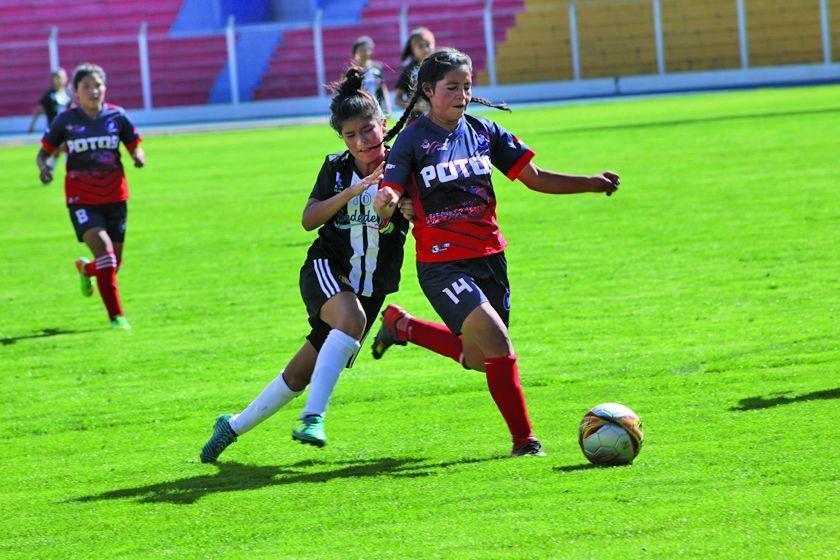 La selección potosina de fútbol en damas rescata un punto en Sucre
