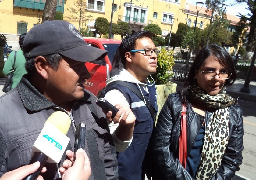 Dirigentes de la Fedjuve reclaman casa regalada por Evo