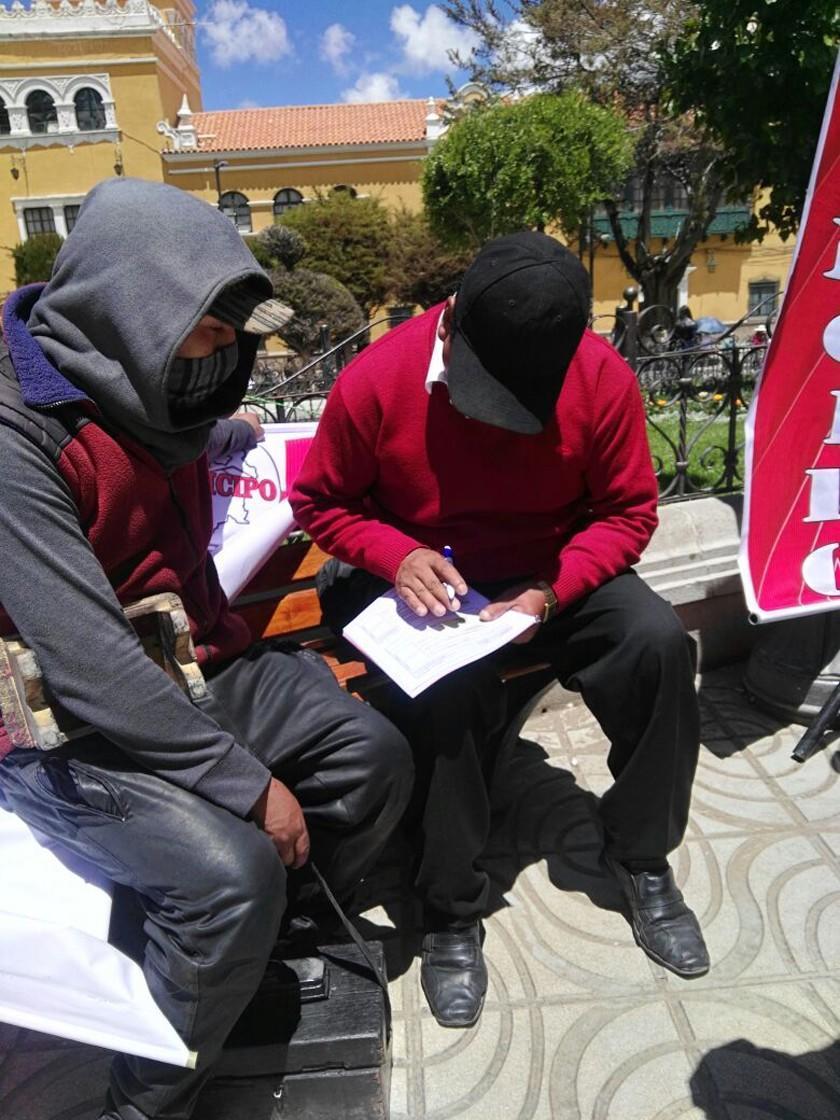 Cívicos inician el revocatorio de mandato de autoridades