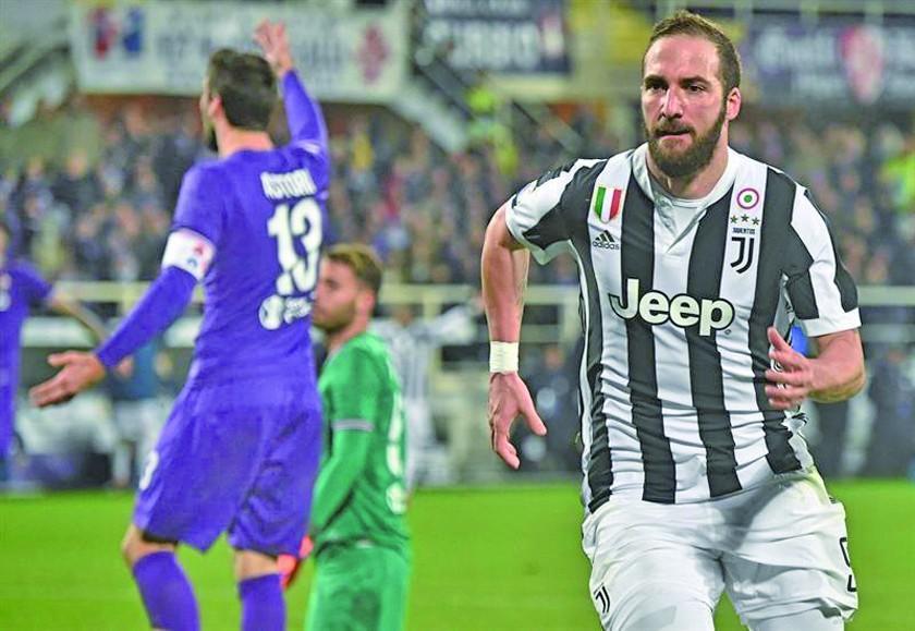 Juventus supera el examen ante Fiorentina y dormirá como líder de la Serie A italiana