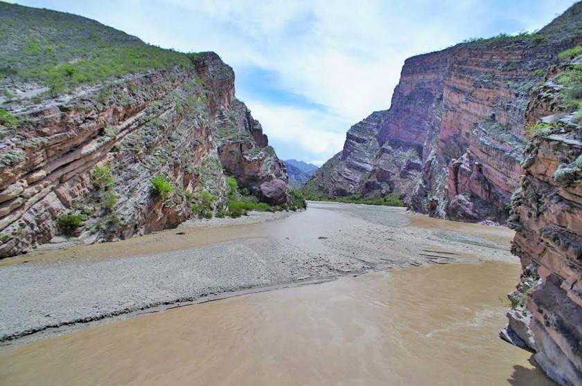 Temen que Toro Toro quede aislado debido al crecimiento del río