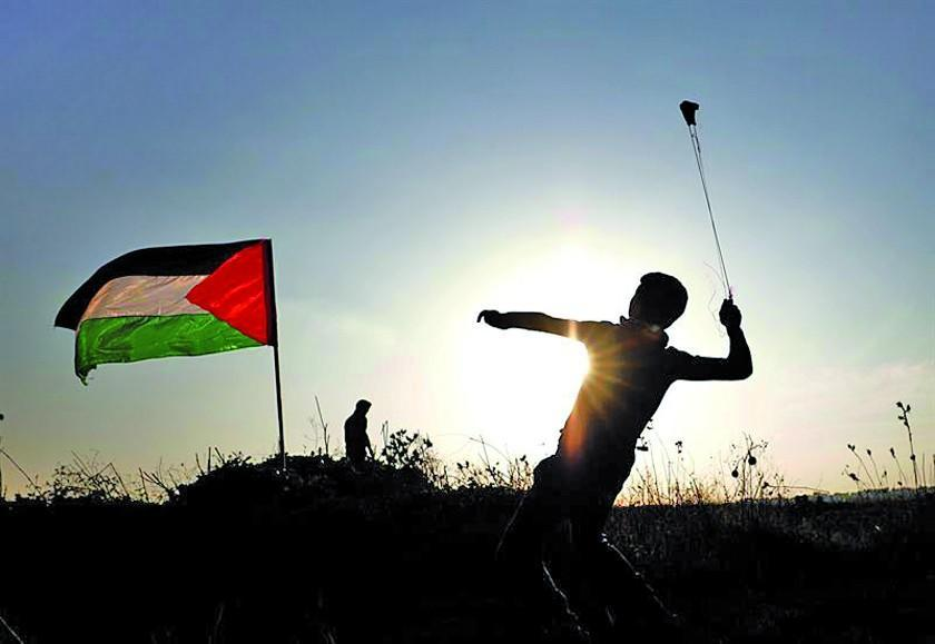 Israel bombardea seis posiciones de milicias palestinas en la Franja