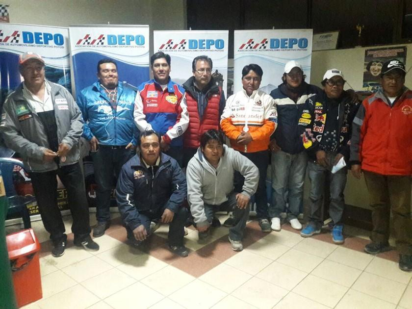 Osvaldo Delgadillo asume la presidencia de la Asociación de Automovilismo