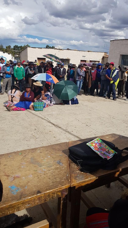 Comunarios retoman el bloqueo de vías debido a la toma de Jayaquila