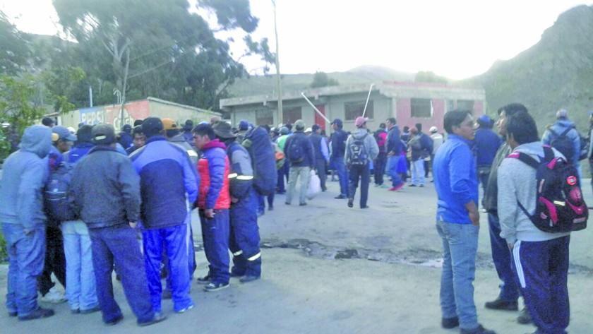 Levantan los bloqueos de caminos a Tarija y Villazón