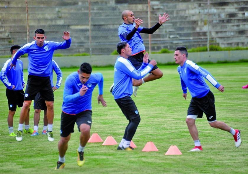 Ferreira y Riquelme comandarán el ataque