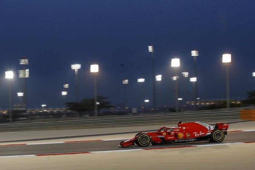 Sebastián Vettel sale primero en Bahrein