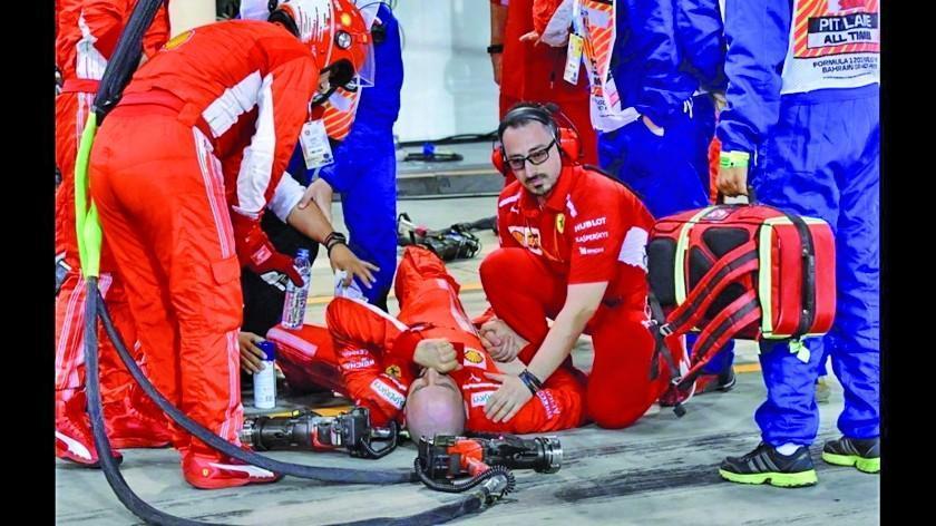 Kimi Raikkonen atropella a uno de sus mecánicos y abandona la carrera