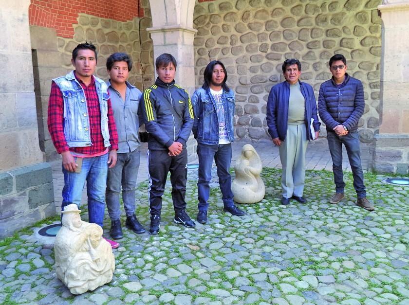 Grupo Bohemios Líticos presenta una exposición de 17 esculturas en piedra