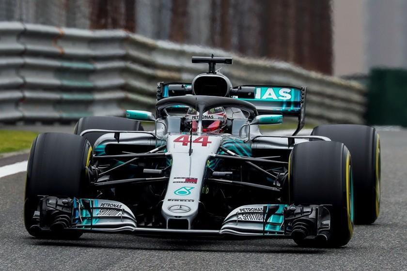 Hamilton domina las pruebas en China