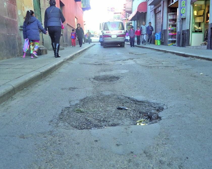 Inician mejoramiento de las calles del centro histórico de la ciudad