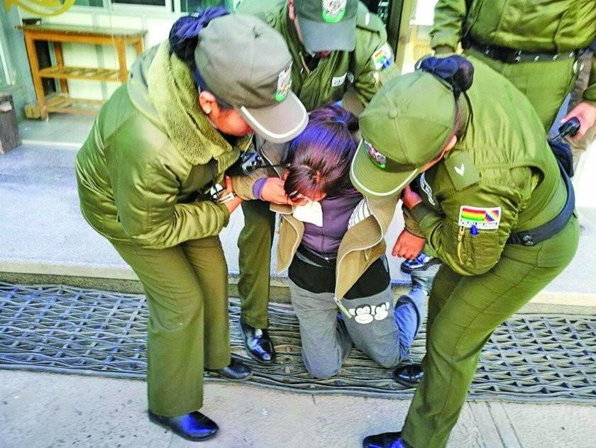 Otra implicada va a la cárcel por la muerte de 2 militares en Oruro