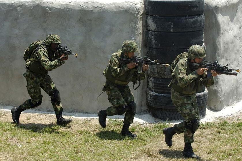 Militares refuerzan seguridad en  la frontera colombo-venezolana