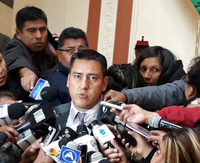 Ministerio de Defensa propone un plan de seguridad en la mina Huanuni