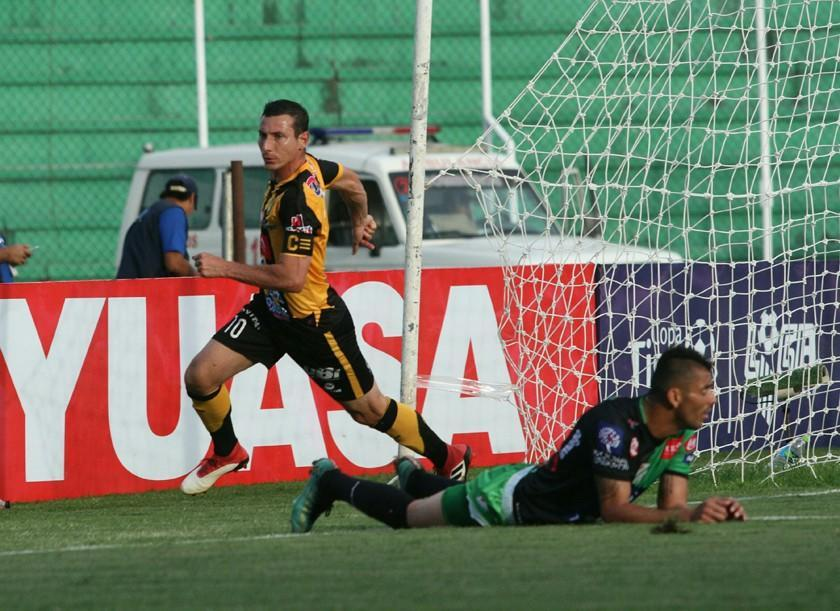 Oriente cae ante The Strongest