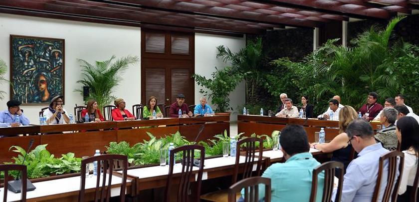 Gobierno y ELN retoman en Cuba diálogo de paz y buscan tregua