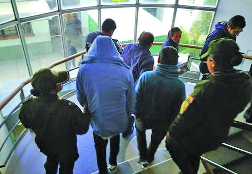 Van a prisión dos implicados en asesinato de militares en Oruro