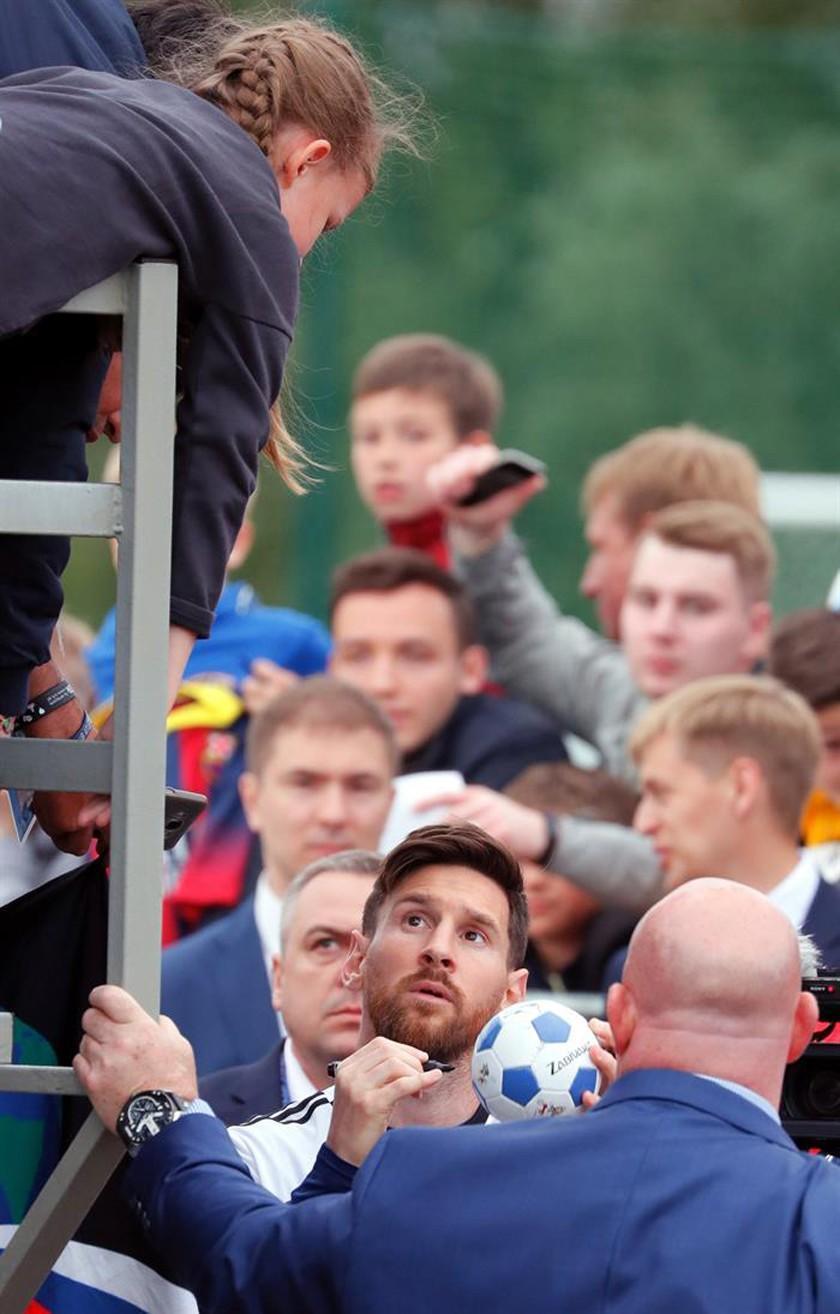 Messi desata la locura durante la práctica