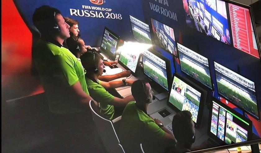 El árbitro boliviano Gery Vargas se estrenó en el VAR en Rusia
