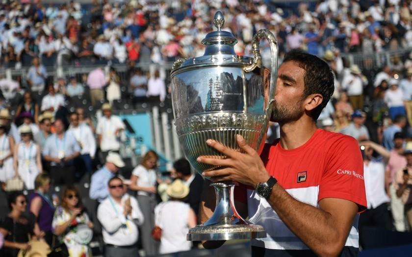 Cilic doblega a Djokovic en la final de Queen's