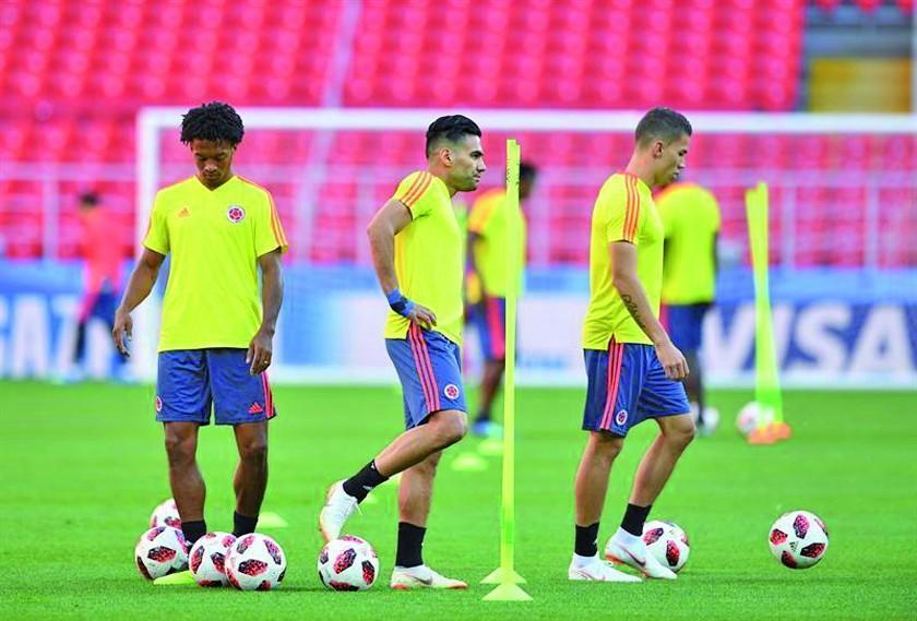 Colombia e Inglaterra buscan seguir con vida