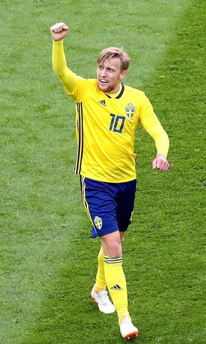 Emil Forsberg guía a Suecia a los cuartos de final