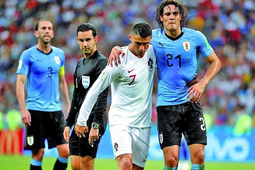 Edinson Cavani se aleja del duelo de Uruguay ante Francia