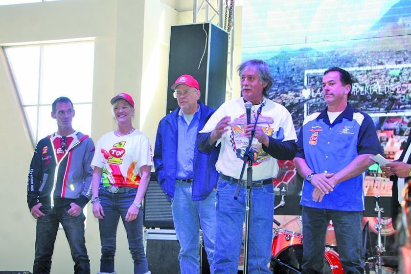 Buscan batir récord mundial de velocidad en el Salar de Uyuni de Potosí