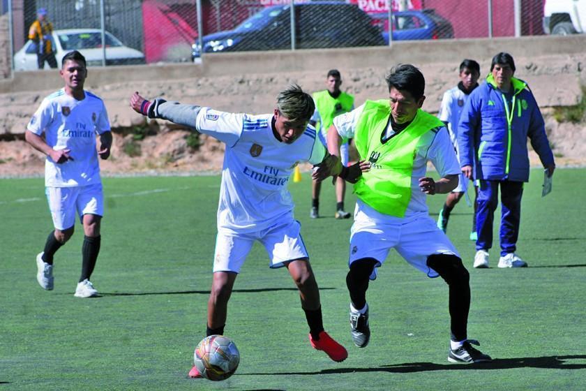 El plantel lila viajará a localidad de Porco para disputar un partido de prueba