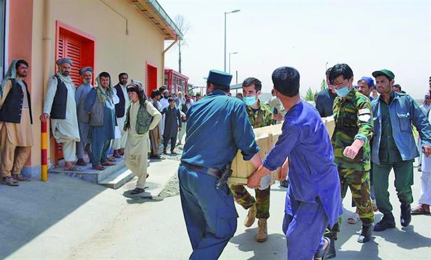 Ataques dejan 31 soldados y 50 talibanes muertos en Afganistán