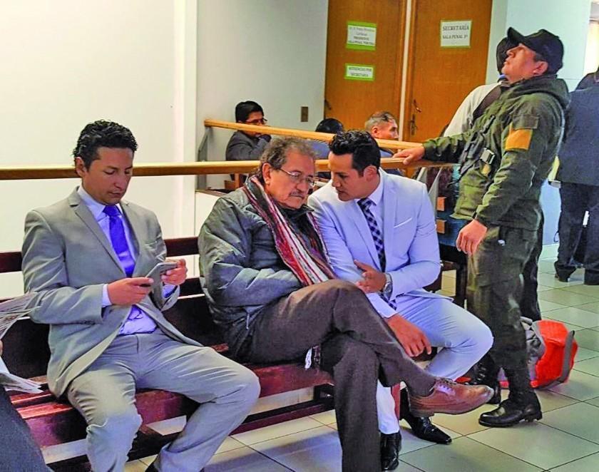 Oruro: dictan detención domiciliaria para Bazán por el caso Mochilas