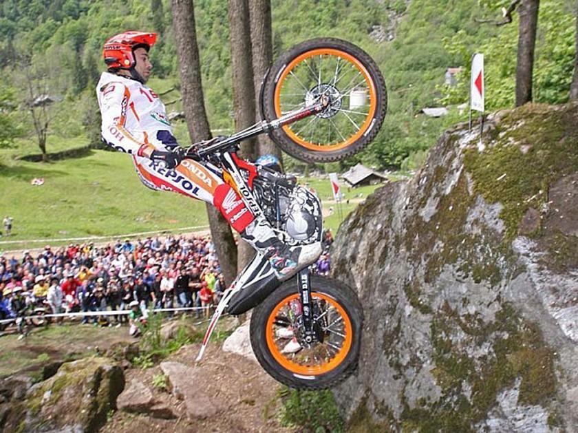 Toni Bou gana el Gran Premio de Bélgica y consolida su liderato