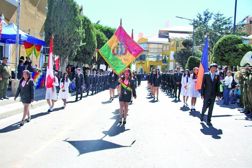 El desfile escolar se adelanta y tendrá 52 unidades educativas