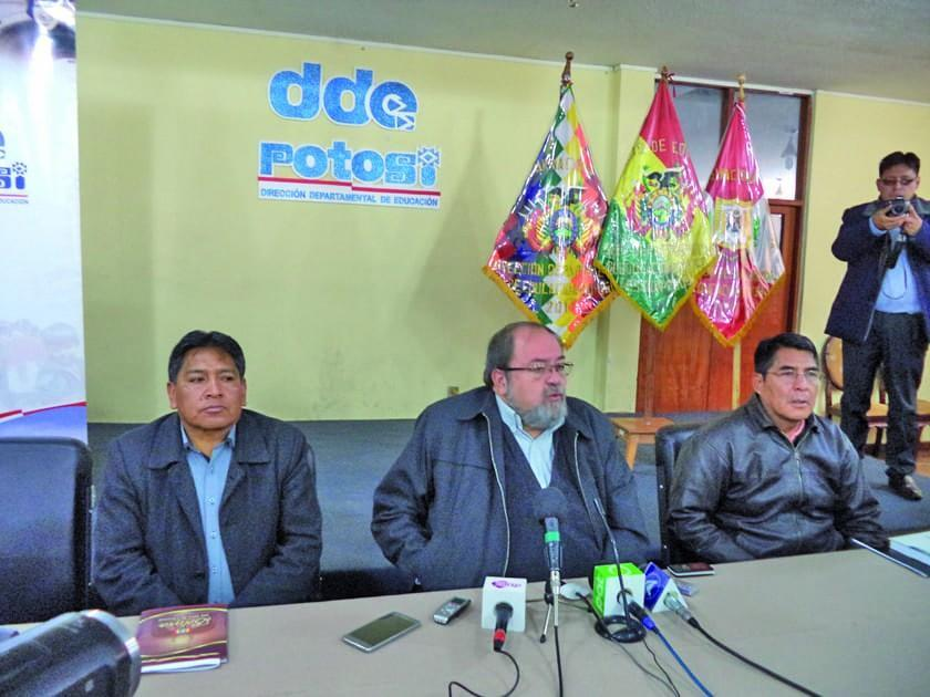 El Ministerio de Educación inica proceso al director distrital Jara