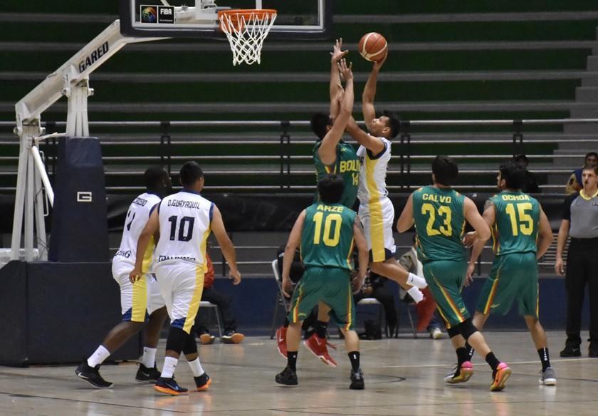 La selección de básquet parte a Quito