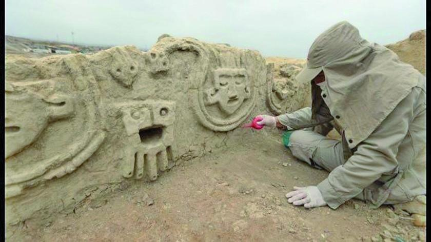 Hallan muro de 3.800 años de civilización más antigua