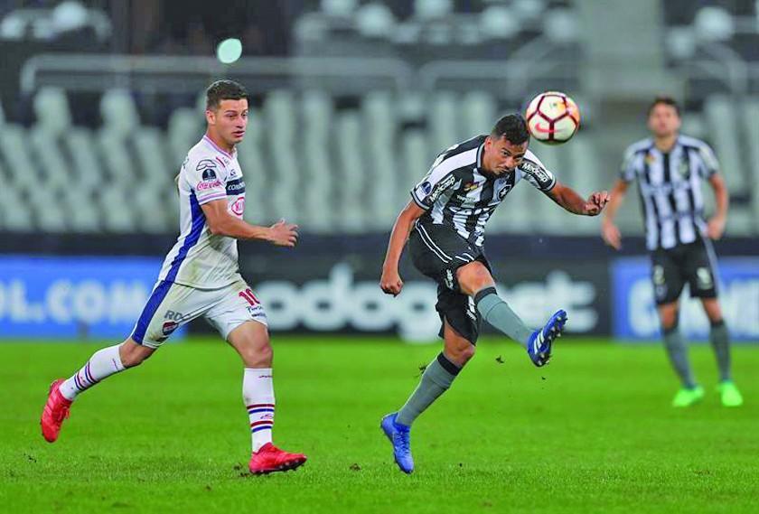 Botafogo gana 2-0 a Nacional y clasifica a octavos