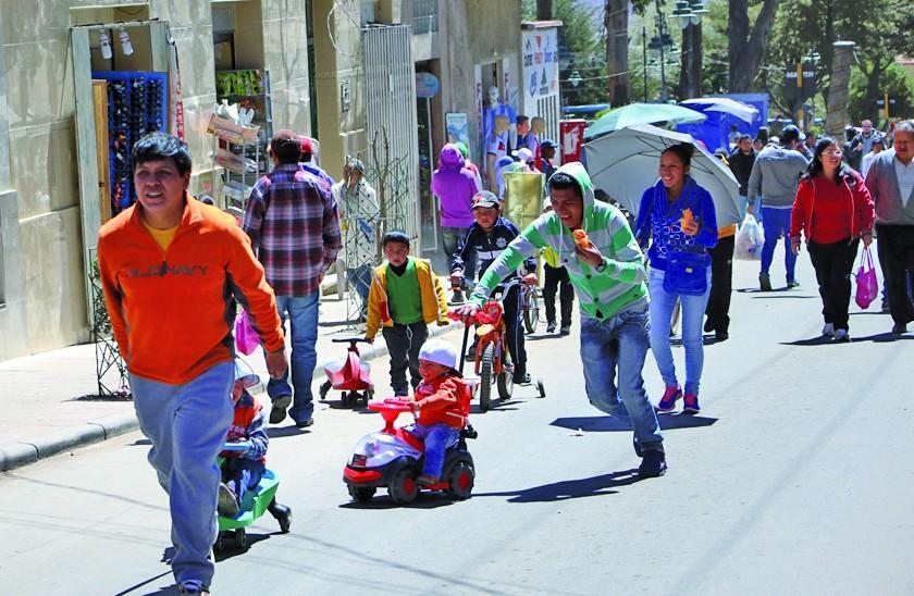 Prohíben consumo de alcohol y tráfico vehicular el domingo