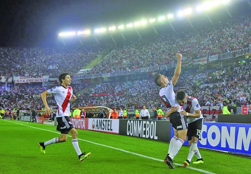 River Plate golea 3-0 a Racing