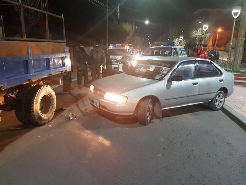 Chofer con aliento alcohólico estrella su vehículo y una persona muere